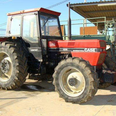 Tractor agricola case 1056